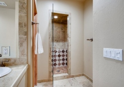 5910-S-Ogden-Ct-Centennial-CO-large-040-026-Master-Bathroom-Suite-1500x1000-72dpi