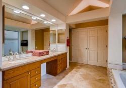 6290 S Iola Ct Englewood CO-small-017-9-2nd Floor Master Bathroom-666x445-72dpi