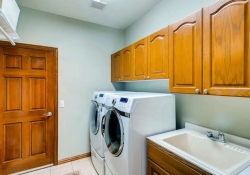 6290 S Iola Ct Englewood CO-small-028-17-Laundry Room-666x445-72dpi