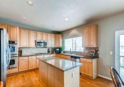 10053 Glenstone Cir Highlands-small-007-7-Kitchen-666x443-72dpi