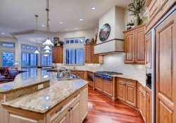 641_Ruby_Trust_Way_Castle_Rock-small-012-74-Kitchen-666x444-72dpi