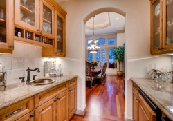 641_Ruby_Trust_Way_Castle_Rock-small-016-27-Butlers_Pantry-666x444-72dpi