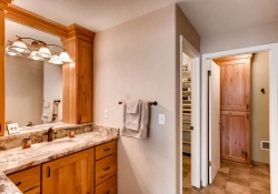 7151 s lewis way Littleton CO-small-017-16-2nd Floor Master Bathroom-666x444-72dpi