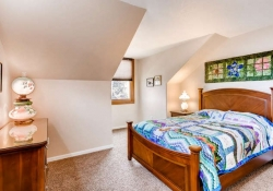 7151 s lewis way Littleton CO-small-022-12-2nd Floor Bedroom-666x444-72dpi