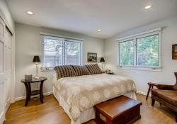 75-Fairway-Ln-Littleton-CO-large-026-027-Bedroom-1500x1000-72dpi