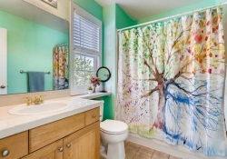 7523 E 6th Place Denver CO-small-022-18-2nd Floor Bathroom-666x444-72dpi