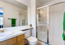 7523 E 6th Place Denver CO-small-026-30-2nd Floor Bathroom-666x444-72dpi