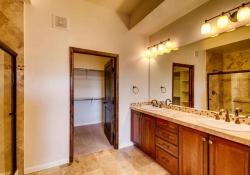 7865 Villagio Lane Unit 402-small-017-18-Master Bathroom-666x444-72dpi