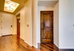 7865 Villagio Lane Unit 402-small-024-13-Hallway-666x444-72dpi