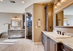 8023-S-Valleyhead-Way-Aurora-large-018-038-2nd-Floor-Master-Bathroom-1500x1000-72dpi