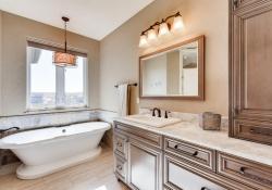 8023-S-Valleyhead-Way-Aurora-large-019-027-2nd-Floor-Master-Bathroom-1500x1000-72dpi