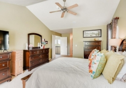 8368-Briar-Trace-Castle-Rock-large-017-004-2nd-Floor-Master-Bedroom-1500x1000-72dpi