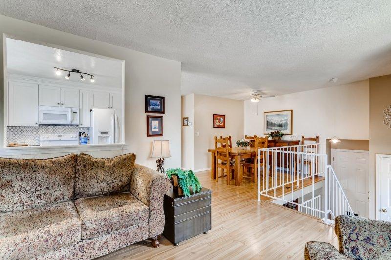 20-Family-Room