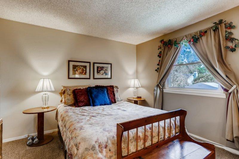 26-Primary-Bedroom