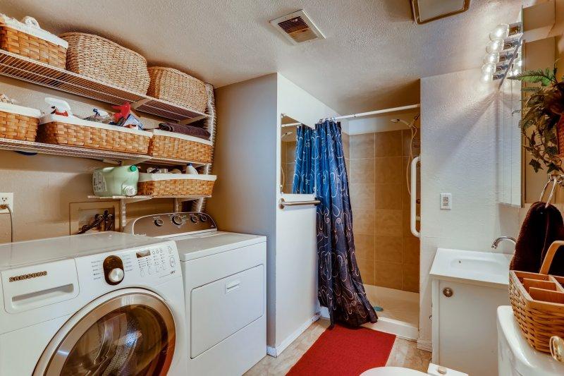 33-Laundry-Room