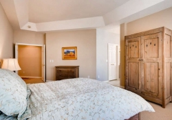 85 Silver Fox Greenwood-small-016-4-Master Bedroom-666x444-72dpi