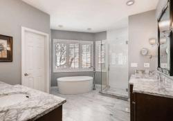 85 Silver Fox Greenwood-small-017-16-Master Bathroom-666x444-72dpi