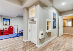 9084-E-29th-Pl-Denver-CO-80238-large-026-023-Lower-Level-Playroom-1500x1000-72dpi