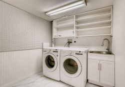 35-Lower-Level-Laundry-Room
