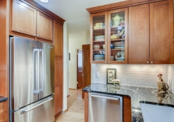 935-S-Fillmore-Way-Denver-CO-large-010-012-Kitchen-1500x1000-72dpi