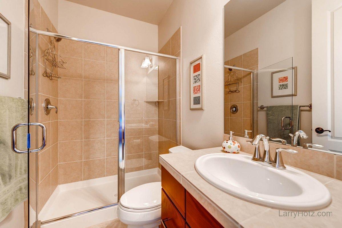 9497-vista-hill-lane-lone-tree-large-021-2nd-floor-bathroom-1499x1000-72dpi