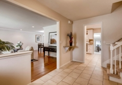9831 E Pinewood Ave Englewood-large-005-1-Foyer-1500x1000-72dpi