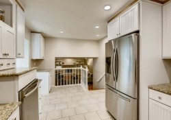9831 E Pinewood Ave Englewood-large-012-2-Kitchen-1500x1000-72dpi