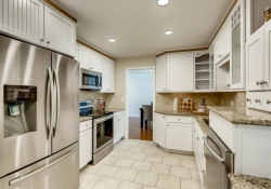 9831 E Pinewood Ave Englewood-large-013-4-Kitchen-1500x1000-72dpi