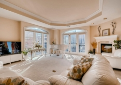 1827-Grant-St-Unit-602-Denver-large-004-3-Living-Room-1500x1000-72dpi