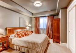 7685-e-4th-ave-denver-co-80230-small-023-lower-level-bedroom-666x444-72dpi