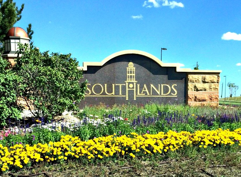 Southlands offers Cherry Creek schools, new home construction and the Aurora Reservoir.