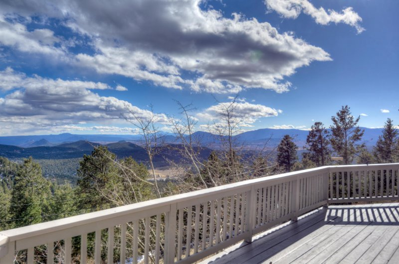 Outdoor deck with panoramic mountain views