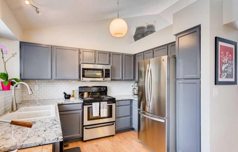 Highlands 460 Kitchen