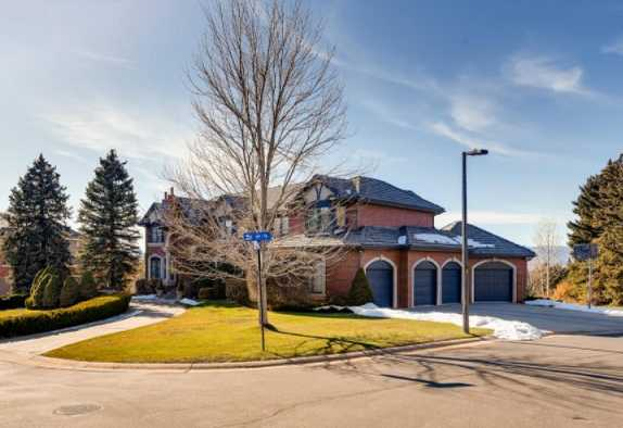 75 Falcon Hills Drive in Highlands Ranch Co